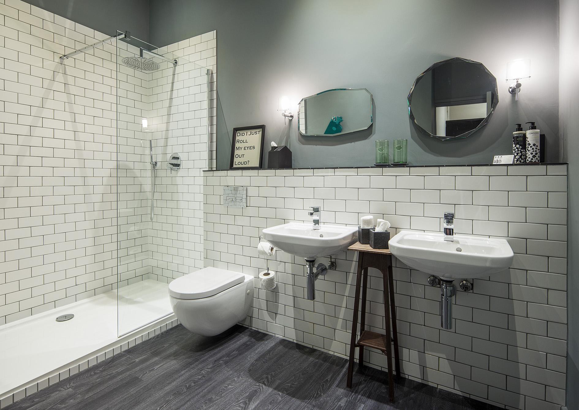 En-suite Shower (exact specifications vary between rooms)